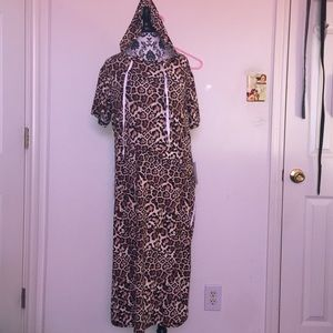 2XL Leopard hooded short sleeves W/ front pocketS
